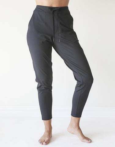 Tapered perfect trouser